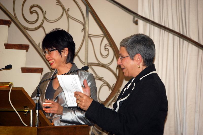 Prof. Dr. Michiko Mae und Prof. Dr. Susan Winnett