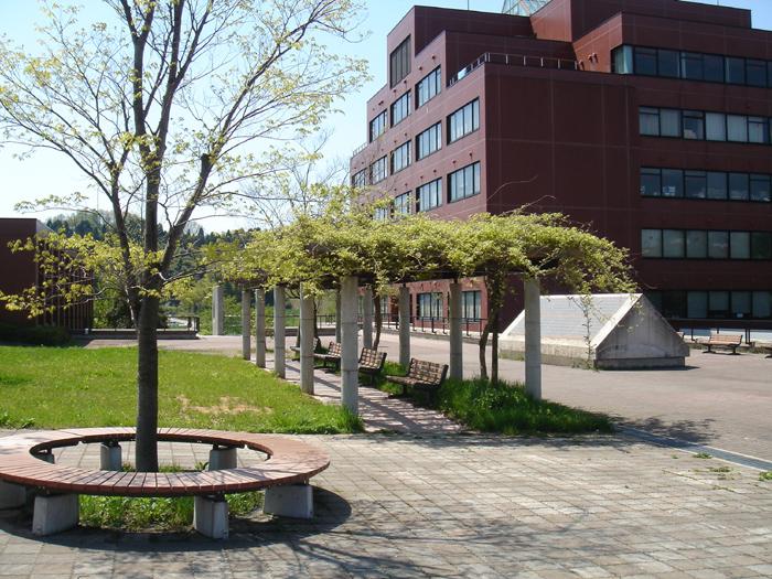 Eine unserer Partneruniversitäten: Die Universität Kanazawa (Bild: Wikimedia cc, Danko Georgiev MD)